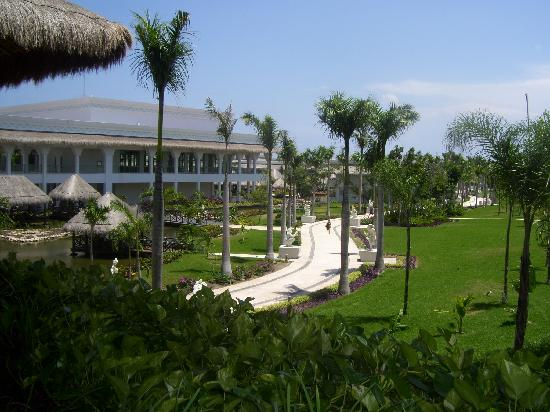 Grand Riviera Princess All Suites Resort & Spa: Grounds