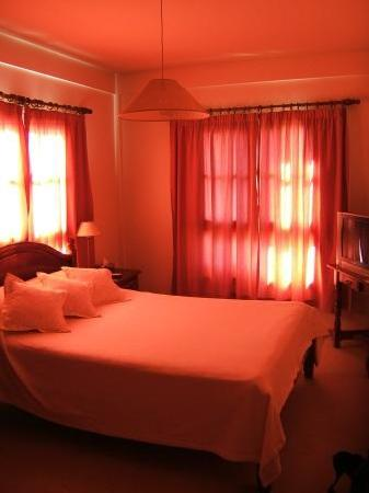 Le Chatelet: Hotel room