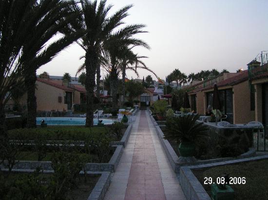 Club Primavera: The main path through the bungalows.