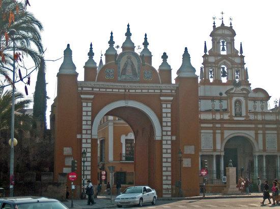 Sevilla, Spanien: Arco de la Macarena