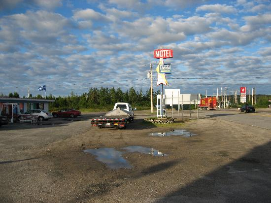 Motel Chantal: vu du chemin