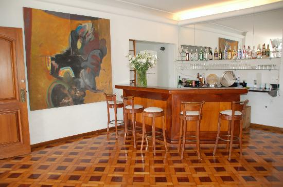 Maria Santa Teresa: Quench your thirst at Um Meia Tres