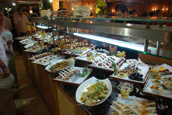 Porto Bello Hotel Resort & Spa: Appetizer buffet during lunch