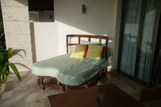 إكسيلنس بلايا مزجيريس (للكبار فقط) أول: Day bed on patio