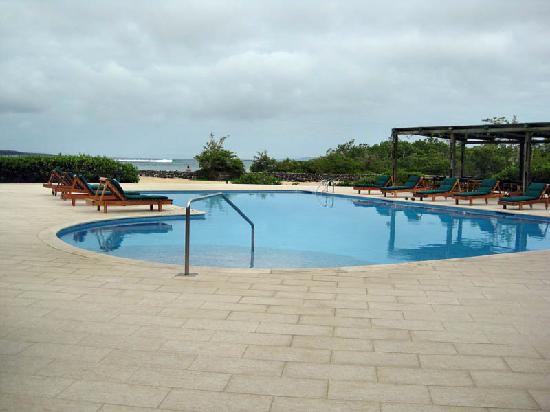 Finch Bay Eco Hotel: Pool area
