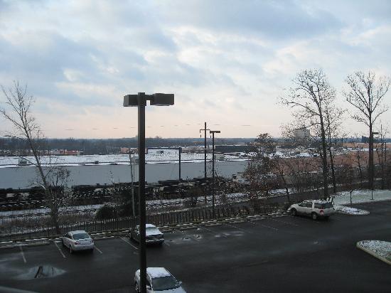 Courtyard Philadelphia Langhorne: Train area