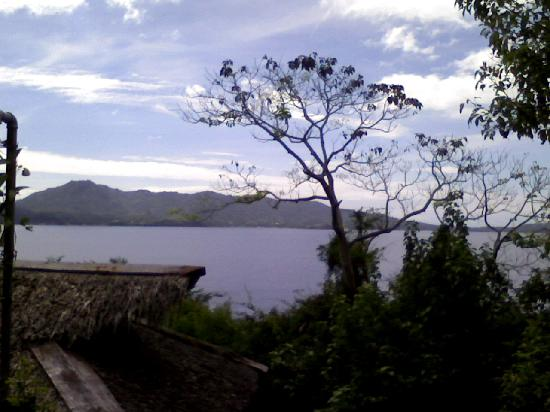 Balai Resort Anilao: view from beside the resort entrance