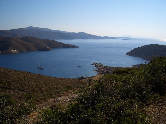 Titika: la baie de Katapola