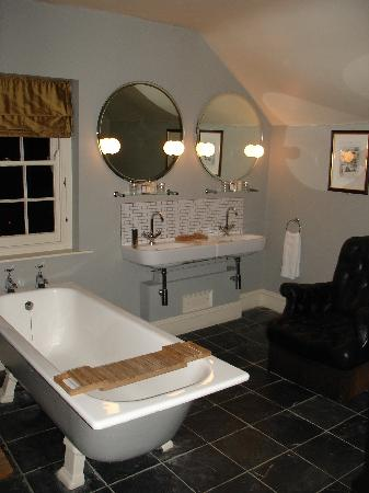 The Castle Inn: Bathroom