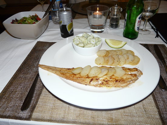 La Sosta Restaurant: Cape Sole in a White Wine Sauce with Sauteed Potatoes