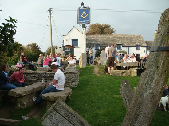 Swanage, UK : Mix and mingle outside with the locals