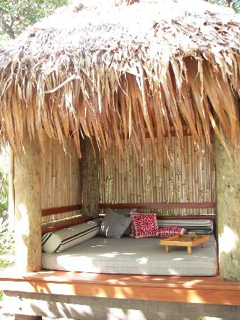 Likuliku Lagoon Resort: Our sunlounge that we rarely left. It was so big n comfy
