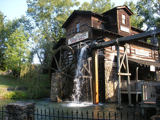 Pigeon Forge, TN: Dollywood Grist Mill