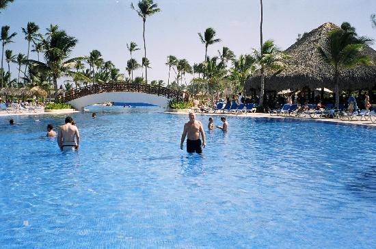 Grand Bahia Principe Bavaro: une des 5 piscines