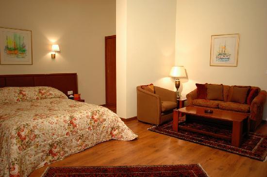 Mediterranee Hotel : my room