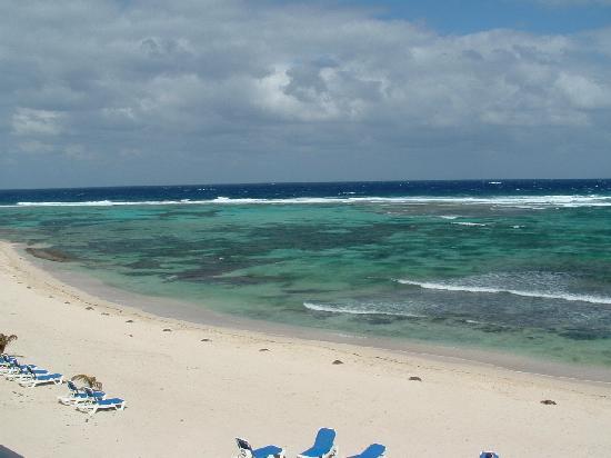Wyndham Reef Resort: surf, sea & sand