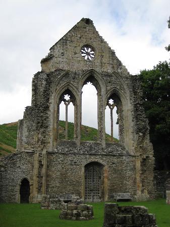 Britannia Inn : Valle Crucis Abbey ruins near the Inn
