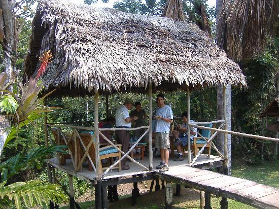 Amazonas Sinchicuy Lodge: disfrutando un piqueo en el mirador