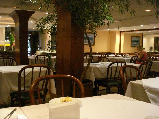 Atlantis Copacabana: salon del desayuno