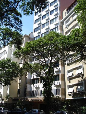 Atlantis Copacabana: vista del edificio del hotel desde la calle