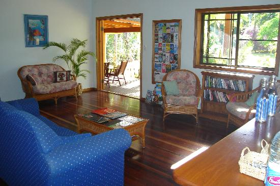 Hibiscus Lodge : Guest sitting room