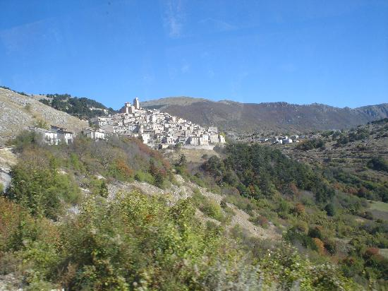 View of Castel del Monte