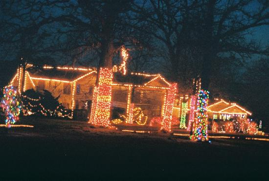 Bartlesville, OK: Christmas lights at Woolaroc Lodge.