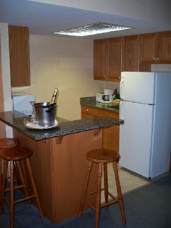 Stone Gate Inn: The Kitchenette Area