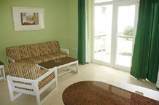 Arco Iris Apartments: Part of living room