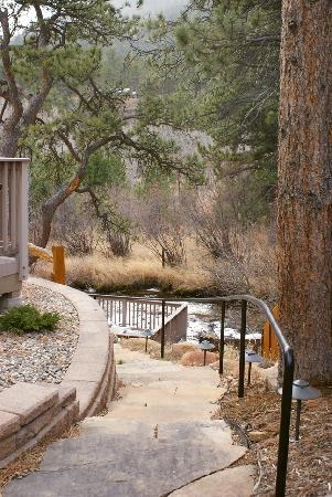Beaver Brook on the River: path leading to riverwalk