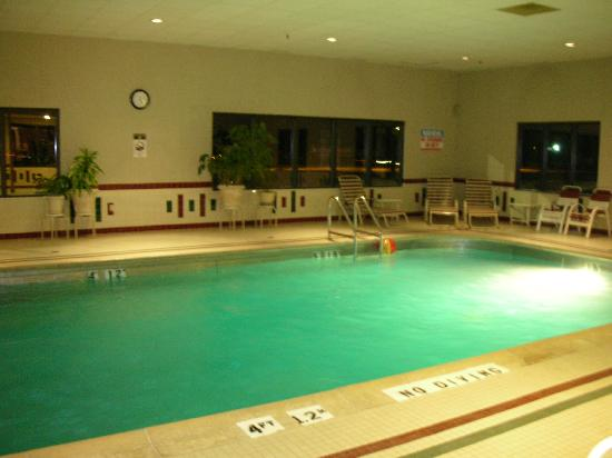Baymont Inn and Suites Marion: Pool