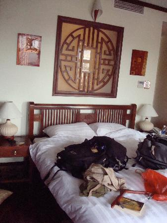 Golden Lotus Boutique Hotel: Our Messy Room
