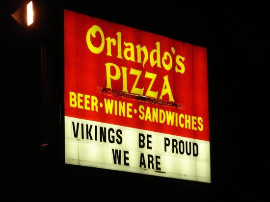 Orlando's Pizza: Orlando's Geneva Sign