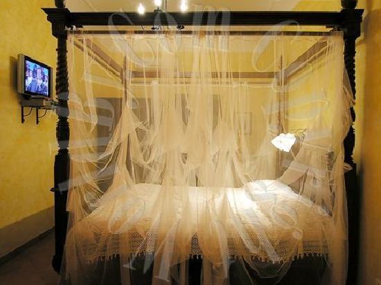 CK Bed & Breakfast : white room