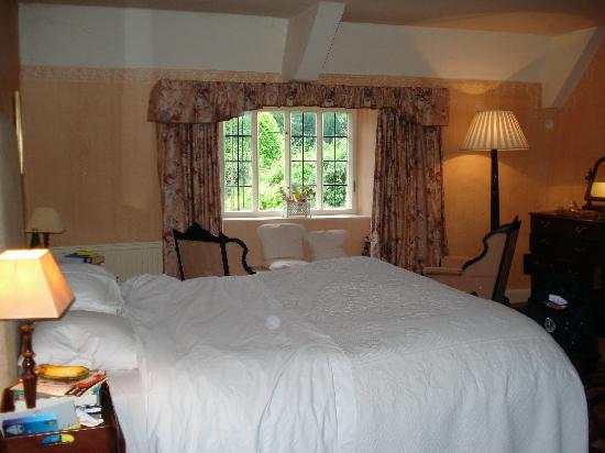 Old Priory at Dunster: A bedroom at the Old Priory