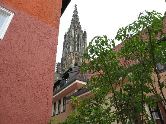 Hotel Anker Spanische Weinstube: テラスから大聖堂を望む