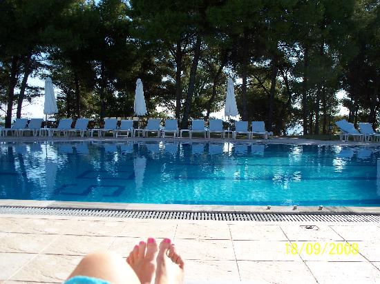 Nostos Hotel: Lovely pool at Nostos. Sorry about the toes.