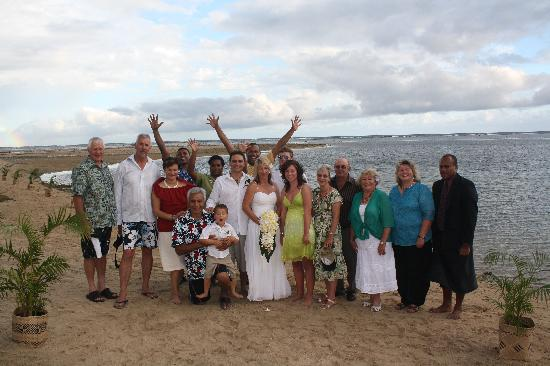 Outrigger Fiji Beach Resort: Our Wedding Group with the fantastic Outrigger Staff