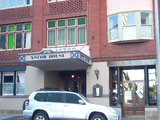 Astor Private Hotel: Entrance 157 Macquarie St Hobart