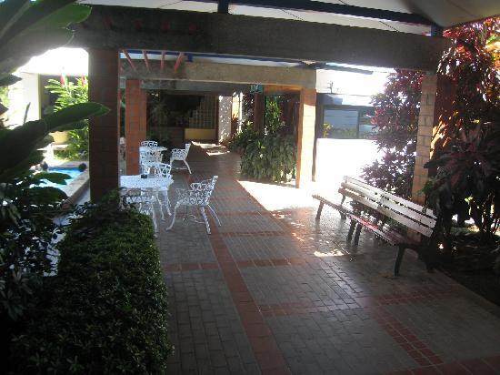 Hotel Versalles : Outdoor Lobby