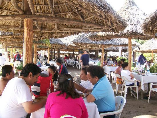 Stone Island (Isla de las Piedras): Restaurant on Stone Island-Molakai