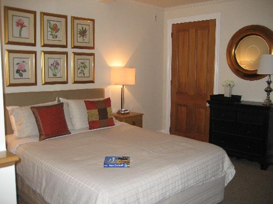 Austinvilla Bed and Breakfast : Bedroom in the Garden Suite