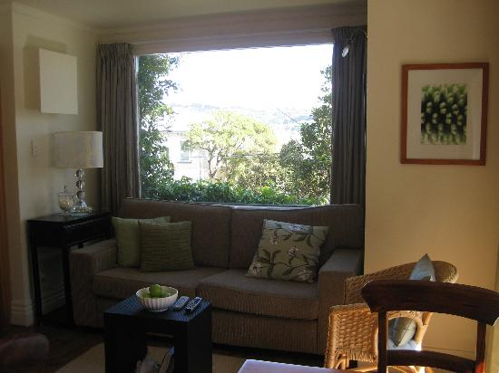 Austinvilla Bed and Breakfast : Lounge area in the Garden Suite