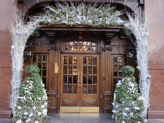 Hotel 41: Street entrance