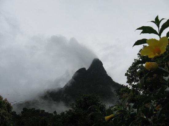 Seri Santubong Guesthouse: Facing Mt Santubong