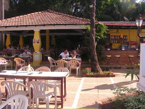Riverside Regency Resort: Riverside Regency Bar / Dining Area