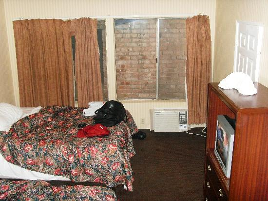 Budget Inn Hollywood: Our room