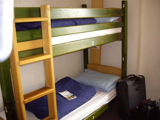 YHA London Oxford Street: 3-bed male dorm