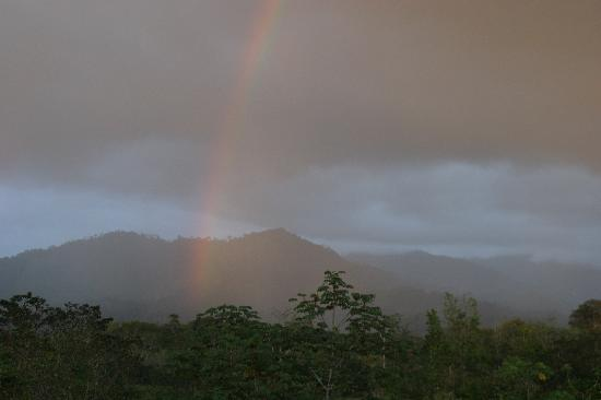 Blue Banyan Inn: Rainbow over the Mountain