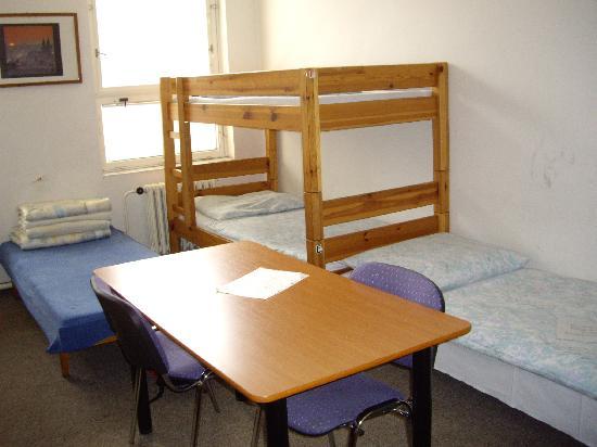 Praha Ladvi: 8-bed male dorm